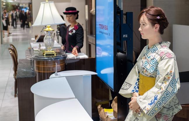 Chihira Aiko accueil-grand-magasin-mitsukoshi-tokyo-20-avril-2015